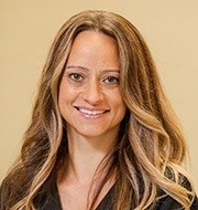 Headshot of dental hygienist Isabel